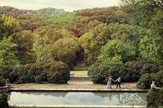 Nashville Wedding Photographer - Jon Reindl Photography. #Engagement #photo Cheekwood Engagement Session
