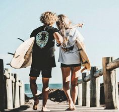 HOW TO MAKE YOUR GIRLFRIEND WANNA COME SURFING WITH YOU