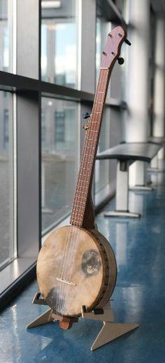 Mr Black's 'tack head' banjo