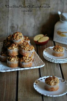 muffins alle mele grattugiate Sweet Recipes, Real Food Recipes, Tortillas Veganas, Muffins, Sweet Corner, Light Cakes, Plum Cake, Cake & Co, Biscuit Cookies