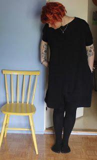 """Martje: short red dreadlocks and finnish design dress """"Marika"""" from Neulomo"""