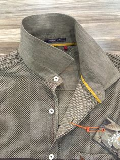 men shirt detail