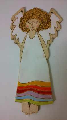 Anděl duhový Clay Projects, Clay Crafts, Clay Angel, Pottery Angels, Kids Clay, Ceramic Angels, Angel Crafts, Clay Tiles, Pottery Sculpture