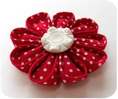 Embellishment Idea - Tsumami Kanzashi Tutorial