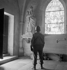 Soldier looking at a statue of the Madonna and Child in a church, by Toni Frissell, between 1940 and 1945 [[MORE]] Repository: Library of Congress Prints and Photographs Division Washington, D. Catholic Radio, Catholic Art, Catholic Gentleman, Assumption Of Mary, Beatitudes, Greatest Mysteries, Light Of The World, Madonna And Child, American Soldiers