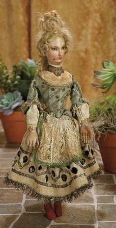A Matter of Circumstance: 64 Venetian Carved Wooden Court Lady with Beautiful Face and Original Costume circa Enchanted Doll, Marionette, Living Dolls, Old Dolls, Wooden Dolls, Antique Toys, Fashion Dolls, Couture Fashion, Vintage Dolls