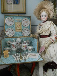 "~~~ Beautiful French Porcelain Service in Original "" Au Bon Marche"" Presentation Box ~~~"