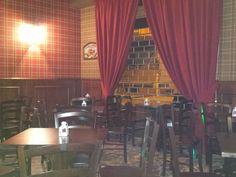 """Arredo Ristoranti Pizzerie MAIERON SNC www.mobilificiomaieron.it  - https://www.facebook.com/pages/Arredamenti-Pub-Pizzerie-Ristoranti-Maieron/263620513820232 - 0433775330. Arredamento Pub """"Black Mirror Tom"""" a  Napoli. Sedie in legno massello color noce con seduta in legno cod 3011/L in + Tavoli 80x80 in legno massello Base incrociata color noce cod 809/80. Produzione Mobilificio maieron arredamento pub, Arredo enoteche bar, ristoranti e pizzerie #arredopubmaieron #arredopub #tavolipub…"""