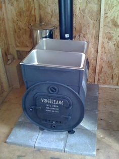 Maple Syrup Evaporator - ventilation improvements will be required Maple Syrup Taps, Maple Syrup Evaporator, Homemade Maple Syrup, Sugar Bush, Sugaring, Rocket Stoves, Hobby Farms, Diy Projects, Backyard Projects