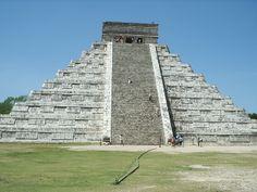 BUONGIORNO a #tutti,oggi vi facciamo #vedere una piccola parte di #CHICEN-ITZA,UNO DEI TANTI #TOUR CHE #POSSIAMO #OFFRIRVI NELLA NOSTRA #B&B a #PlayaDelCarmen, un importante #complesso #archeologico maya #situato nel #Messico, nel nord della #penisola dello #Yucatan.Il sito di #Chichén Itzá è stato dichiarato patrimonio dell'umanità 3UNESCO nel 1988. VENITE AD AMMIRARE LE TANTE #BELLEZZE DI QUESTO #PAESE!!!!!!! VI #ASPETTIAMO #PRESTO!!!