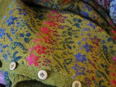 SIRKKA KÖNÖNEN´S SHOP I do not want to advertise, no no no. But now that the autumn - bless her! - is here, it is worth reminding that r. Knitting Stiches, Knitting Yarn, Hand Knitting, Knitting Patterns, Crochet Patterns, Knitting Ideas, Knit Art, Fair Isle Pattern, Fair Isle Knitting