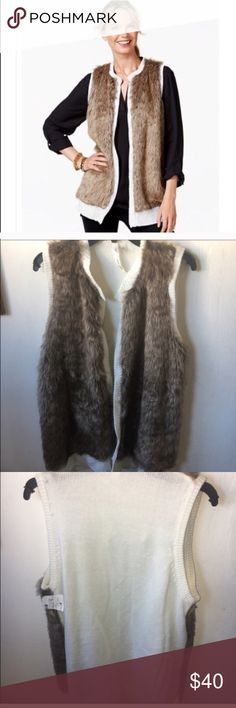 NY Collection Faux Fur Sweater Vest Size XL NY Collection Faux Fur Sweater Vest Size XL 🎈 New with tags 🌟 No Trades 🌟 Retail $78 NY Collection Jackets & Coats Vests