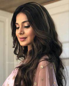 Simple Eyeshadow Tutorial, Jennifer Winget Beyhadh, Girls Status, Indian Tv Actress, Photoshoot Makeup, Celebs, Celebrities, Beautiful Actresses, Indian Beauty