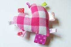 """""""Pink Heart"""" taggies toy 30ש''ח"""