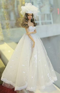 Fashion Royalty Decisive ITBE 16 OOAK by Rimdoll Ask a question hashtags Barbie Bridal, Barbie Wedding Dress, Wedding Doll, Barbie Gowns, Barbie Dress, Barbie Clothes Patterns, Doll Clothes Barbie, Barbie Doll, Fashion Royalty Dolls