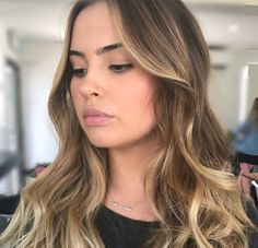 #Freehand #balayage for this beauty using @redkenaustralia flash lift 40 vol  of course @olaplex! No toner needed just a @elevenaustralia Keep My Colour Shampoo  Conditioner. Hair by @emily_edwardsandco. #edwardsandco #edwardsandcobuddsbeach #olaplexau