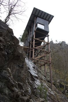 Allmannajuvet in Sauda and the abandoned zinc mines from the late 1800s has inspired world renowned architect Peter #Zumthor to create yet another art installation along the National Tourist Routes in Norway. Allmannajuvet with its characteristic...