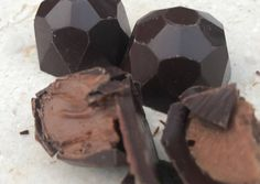 Dark Chocolate Orange, Healthy Dark Chocolate, Death By Chocolate, Orange Truffles Recipe, Truffle Recipe, Christmas Treats, Christmas Baking, Macarons, Homemade Candies