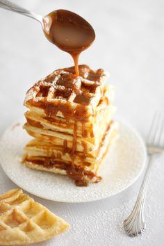Waffles + Cheesecake = Brunch Heaven. Waffled Cheesecake with Caramel Sauce