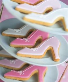 Peggy Porschen Cakes has a selection of Birthday cakes and cupcakes. Iced Cookies, Cut Out Cookies, Royal Icing Cookies, Sugar Cookies, High Heel Cookies, Shoe Cookies, Cupcakes, Cupcake Cakes, Bolacha Cookies