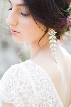 Romantic dangle wedding accessories: Photography: Cecelina - http://cecelinaphotography.com/
