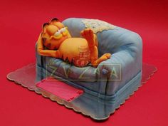 Nasa Mala Zavrzlama Garfield Birthday, Decors Pate A Sucre, Gravity Defying Cake, Friends Cake, Sculpted Cakes, Incredible Edibles, Edible Food, Decoration, Amazing Cakes