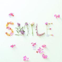 "1,712 Likes, 11 Comments - Beautiful Flatlays (@flatlayforever) on Instagram: ""Happy @runnerkimhall #flatlayforever #flowers"""
