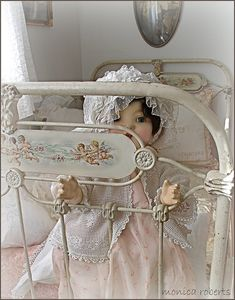 antique French lit de bébé (crib/cot) and vintage doll Shabby chic baby Marie Osmond, Photo Deco, Old Dolls, Home And Deco, Antique Toys, Antique Crib, Doll Furniture, Shabby Chic Decor, Chabby Chic