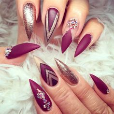 Burgundy nails are getting more and more popular among stylish ladies. Burgundy is not only a wine but also a universal nail shades that you can wear anywhere and anytime. Here are 12 stiletto burgundy nails for super stylish ladies to choose: Stelleto Nails, Gold Stiletto Nails, Cute Nails, Black Nails, Nail Polishes, Acrylic Nail Designs, Nail Art Designs, Nails Design, Acrylic Nails