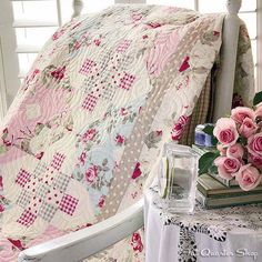 Shabby quilt: Garden of Bliss kit by Fat Quarter Shop .... want to make this one.