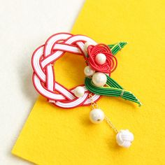 水引きブローチ-七宝吉兆あわせ- Decorative Knots, Chinese New Year, Arts And Crafts, Wire, Brooch, Invitations, Japan, Drop Earrings, Tattoos