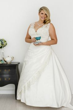 Wedding dress with straps Layla - Plus size wedding dresses Melbourne