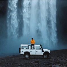 Land Rover Defender 110 Td4 SwSe- Washing place preparing.