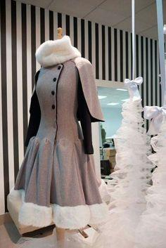 #Neressa #LaFenice #Window #Escaparate #Asun_Dominguez Victorian, Windows, Dresses, Fashion, Shop Displays, Vestidos, Moda, Fashion Styles, Dress