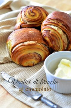 Vortici di brioche al cioccolato I Love Food, Good Food, Yummy Food, Good Morning Breakfast, Breakfast Cake, Croissants, Bread And Pastries, Sweet Bread, Snacks