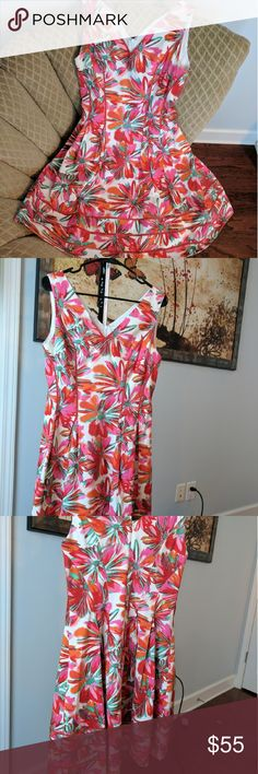 Kay Unger sleeveless tea dress floral sz 8 Beautiful dress in excellent condition. Zipper in back darts at waist and fully lined. Sz 8. Kay Unger Dresses