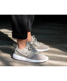 detailed look c12ff 4dbd3 Nike Roshe Two Breeze Gris Blanc Homme Chaussure, Formateurs, Baskets Nike