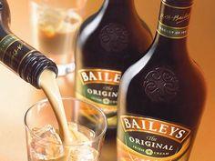 Hice baileys Casero y te lo muestro(certificado) - Taringa! Cocktail Drinks, Cocktail Recipes, Alcoholic Drinks, Baileys Irish Cream, Baileys Original, Baileys Recipes, Cakes And More, Food Photo, Dessert Recipes