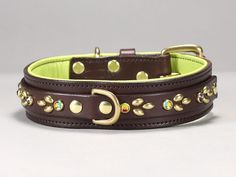 Custom leather dog collar designed for large to giant breed dogs. Shown in Mahogany leather with Apple Green lining, Brass hardware and Vitrail Medium crystals. Custom color schemes are available on our main website. Dog Collars & Leashes, Leather Dog Collars, Custom Leather, Leather Men, Blue Weimaraner, Italian Greyhound Puppies, Giant Dogs, Large Dog Breeds, Large Dogs