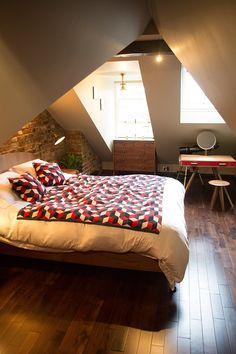 One word: cozy. Loft Room, Bedroom Loft, Cozy Bedroom, Bedroom Decor, Bedroom Ideas, Loft Conversion Stairs, Attic Conversion, Loft Conversions, Attic Renovation