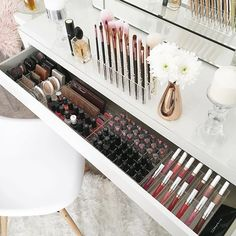 Decking out my IKEA Malm draws with the new Complete Vanity Pack 2.0 . . This dressing table is gorgeous to the eye but the fact that the draw only pulls out half way drives me nuts. To ensure I utilise all the space and not have to reach too far under I
