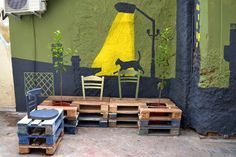 Pallet furniture in Athens, Greece  by Atenistas