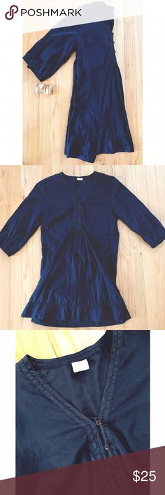 H&M Navy Dress Navy linen-like dress is great for Day or night! Has 3 buttons down the front. Pre-loved before I outgrew it! H&M Dresses Long Sleeve