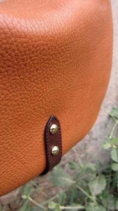 Pumpkin Big Caro, Chiaroscuro, India, Pure Leather, Handbag, Bag, Workshop Made, Leather, Bags, Handmade, Artisanal, Leather Work, Leather Workshop, Fashion, Women's Fashion, Women's Accessories, Accessories, Handcrafted, Made In India, Chiaroscuro Bags - 6
