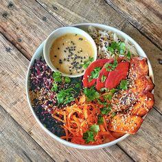10 idées de marinades végétales | Vegan freestyle Seitan, Tempeh, Tofu, Marinade Bbq, Ratatouille, Meal Prep, Prepping, Meals, Ethnic Recipes