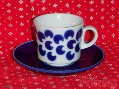 ARABIAN RETRO BR-MALLIN KAHVIKUPPI Delft, Teacups, Malta, Coffee Cups, Retro Vintage, Blue And White, Tableware, Corning Glass, Malt Beer