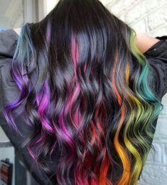 Women Hairstyles Layers Try The Bold Color Block Hair Trend This Summer.Women Hairstyles Layers Try The Bold Color Block Hair Trend This Summer Pretty Hair Color, Beautiful Hair Color, Hair Color Purple, Hair Dye Colors, Peekaboo Hair Colors, Blue Hair Streaks, Vivid Hair Color, Color Block Hair, Pulp Riot Hair Color