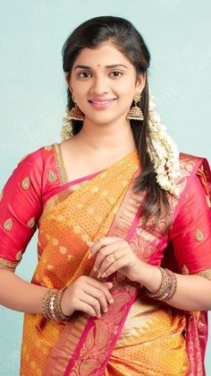 Cute Baby Girl Images, Cute Girl Photo, Beauty Full Girl, Beauty Women, Indian Girls, Indian Wife, Indian Natural Beauty, Indian Wedding Photography Poses, Saree Models