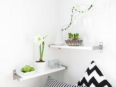 Scandinavian bedroom shelving on Bambula