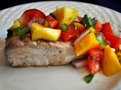 Mahi Mahi Fish Tacos with Mango Avocado Salsa Recipe Mango Avocado Salsa, Mango Salsa Recipes, Peach Salsa, Grilling Recipes, Fish Recipes, Seafood Recipes, Cooking Recipes, Healthy Recipes, Detox Recipes